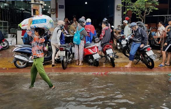 Lut Saigon 1.jpg
