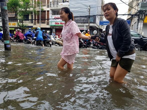 Lut Saigon 2